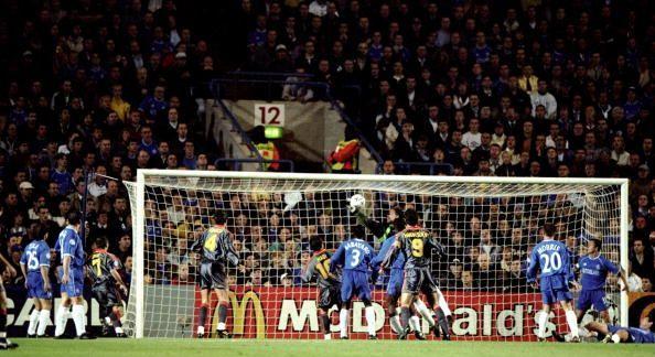 En 1999, Chelsea venció en este partido al Galatasaray en Stamford Bridge con gol del rumano Petrescu (Foto: Allsport)