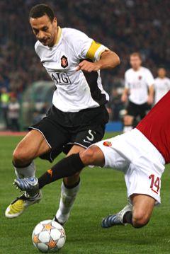 Rio Ferndinand fue una de las figuras principales del United en la noche romana (Foto: manutd.com)
