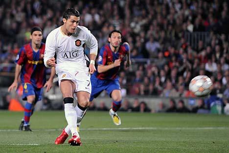 Cristiano Ronaldo eligió el palo correcto pero Sant Jordi le negó el gol a los 3 minutos de juego (Foto: dailymail.co.uk)