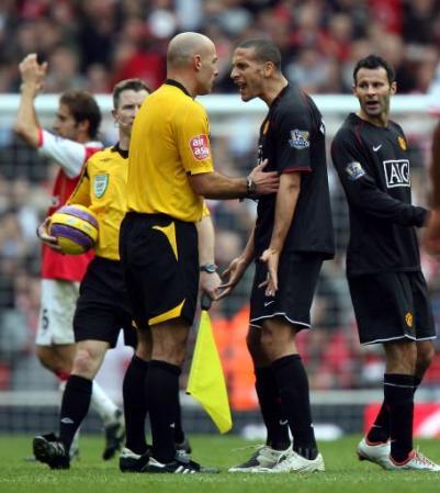 De la tranquilidad de Ferdinand en el fondo depende buena parte del equilibrio del United (Foto: Eurosport)