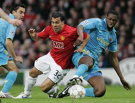 Carlitos Tévez arrancó ovaciones en Old Trafford (Foto: dailymail.co.uk)