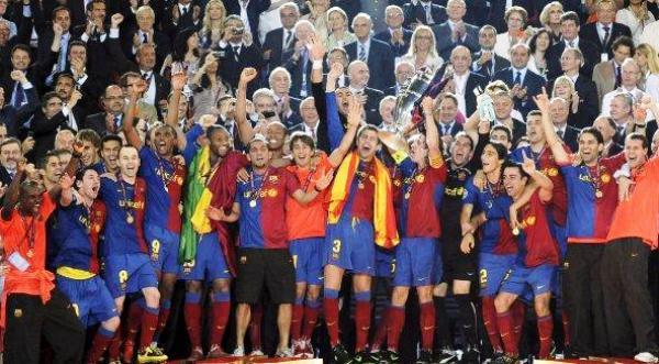 ÉXTASIS DE OREJONA. La gloria inmarcesible del Barça (Foto: EFE)