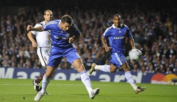 Cabezazo de Lampard para poner arriba al Chelsea sobre el Bordeaux (Foto: dailymail.co.uk)