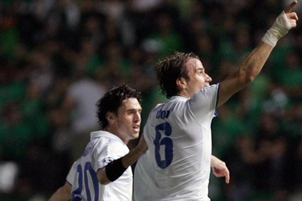 El Anorthosis desató la fiesta nacional en todo Chipre. Acá lo celebra Dobrasinovic, autor de un tanto ante el Panathinaikos (Foto: UEFA.com)