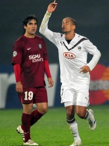 Wendell festeja su tanto, el mejor de la jornada, que le dio al Bordeaux el triunfo sobre el Cluj (Foto: FIFA.com / AFP)