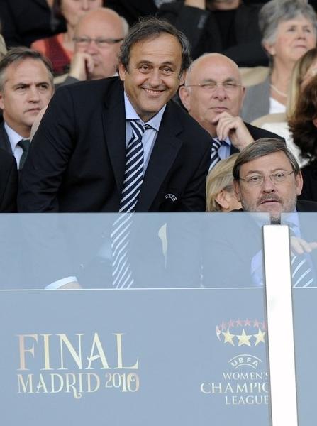 Michel Platini fue el principal gestor para que la final de la Champions se dispute un sábado (Foto: AFP)