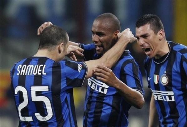Samuel, Maicon y Lucio, los hombres del bloque posterior interista. ¿Podrán con ellos Olic, Robben y compañía? (Foto: AP)