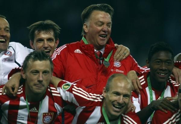 Van Gaal ha aprendido a sonreír en Munich (Foto: AFP)