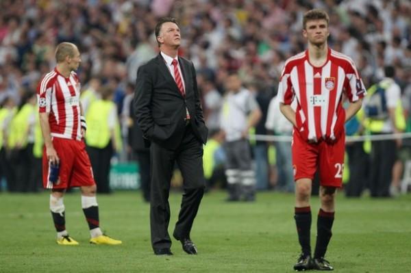 ¿Y LA LIBRETA? Van Gaal perdió ante su pupilo (Foto: AFP)