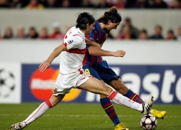 PONLE LA FIRMA. Ibrahimovic colocó el empate tranquilizador para el 'Barça' (Foto: AFP)