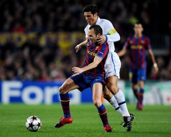 Iniesta no podrá hacer de las suyas ante el cuadro interista como en primera fase, debido a su lesión (Foto: AP)