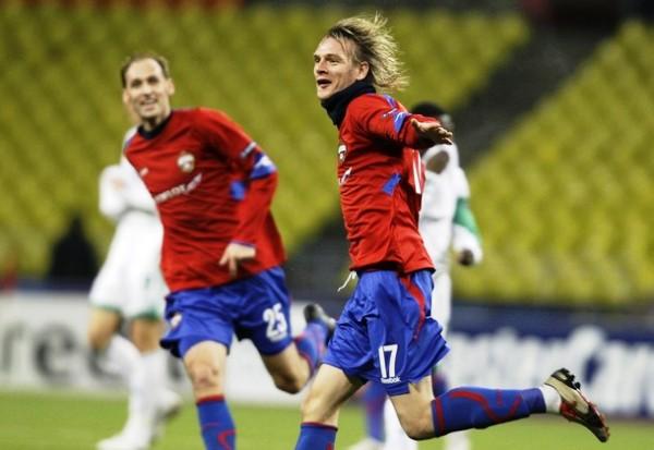 LE PUSO VÉRTIGO. Todo es felicidad en Milos Krasic. CSKA Moscú superó a Wolfsburgo y lo igualó en el segundo lugar (Foto: Reuters)
