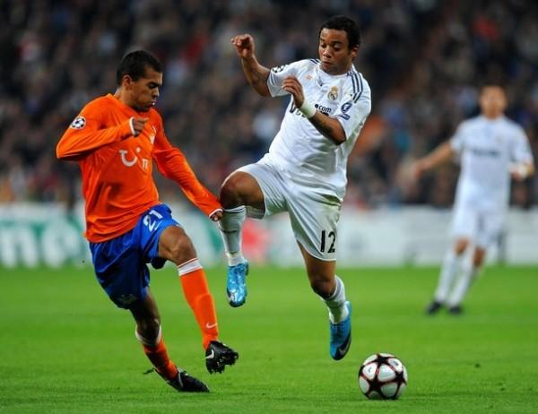 PEOR ES NADA. Real Madrid tuvo una actuación opaca ante FC Zurich en el Santiago Bernabeu, pero su victoria le permitió trepar hasta el primer lugar del Grupo C (Foto: AFP)