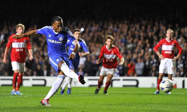 Este fue el primer gol de penal de Didier Drogba en Champions: al Spartak de Moscú en 2010. (Foto: lvironpigs.com)