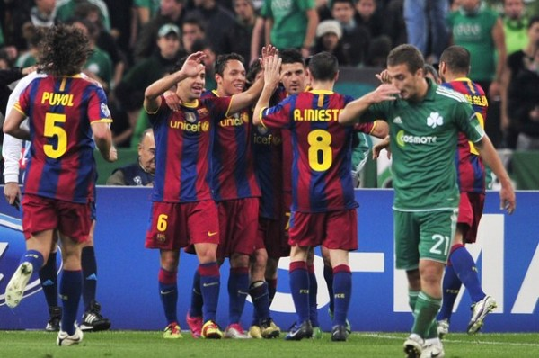 ALEGRÍA CULÉ. Barcelona se dio un festín en Atenas y con el 0-3 ante Panathinaikos se aseguró el primer lugar del Grupo H (Foto: AFP)