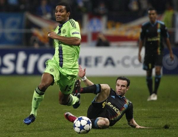 MALO, PERO DA IGUAL. Chelsea, ya clasificado, cayó por la mínima diferencia anteel Marsella, pero igual se quedó con el primer lugar del Grupo F (Foto: AP)