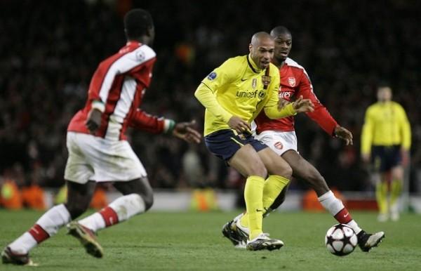 RETORNO AÑORADO. Thierry Henry se enfrentó por primera vez ante Arsenal, elenco en que hizo historia, y fue muy aclamado por la parcialidad de los 'gunners' (Foto: AP)