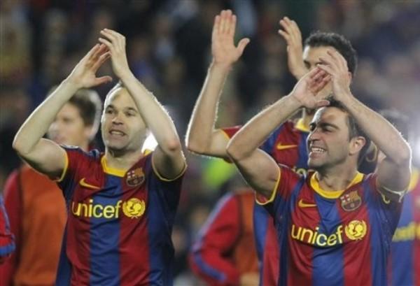 Xavi e Iniesta son responsables de la alta posesión de pelota que promedia el Barcelona. (Foto: AFP)