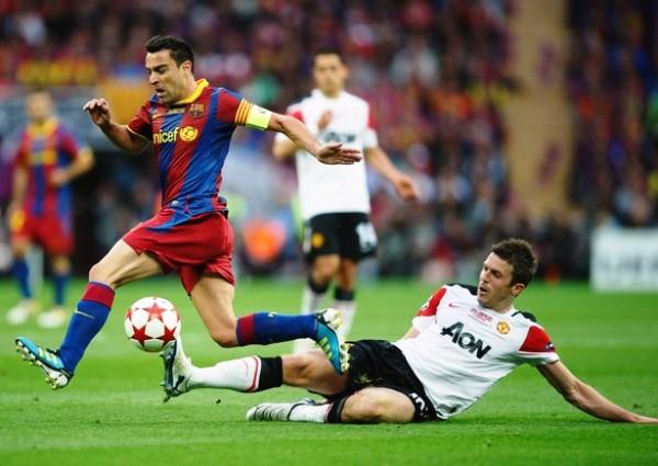 UN GENIO CON EL BALÓN.  Xavi (como tantas otras veces) fue determinante en el triunfo del Barcelona. El volante gestó el primer tanto del cotejo. (Foto: AFP)