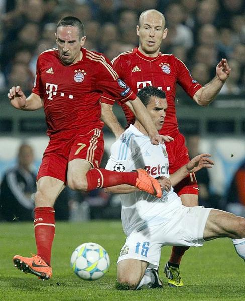 Mario Gómez será el goleador, pero el trabajo que desde el mediocampo realizan Frank Ribery y Arjen Robben es tan o más importante que el del bávaro (Foto: Reuters)