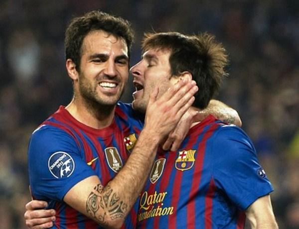 EL CAPO. Cesc Fábregas resaltó en el orquesta barcelonista. El ex Arsenal no anotó, pero resaltó en el dominio catalán. (Foto: AP)