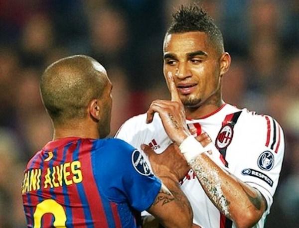 EL DUELO. Dani Alves tuvo un encuentro especial con varios jugadores de Milan, entre ellos Kevin Prince Boateng, pero con quien más se encontró fue con Antonini, lateral que defendió su zona. (Foto: AP)