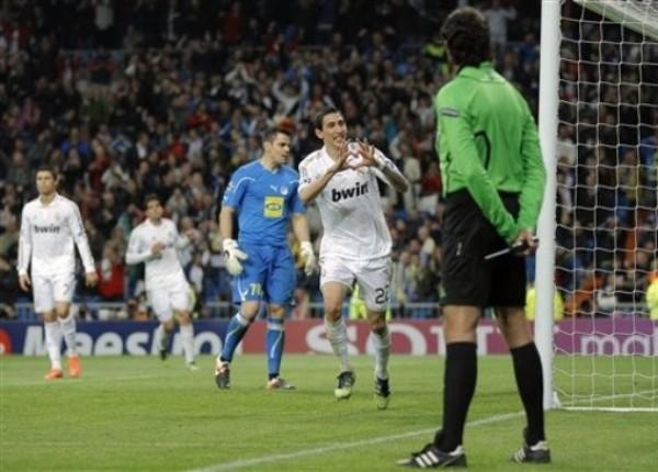 KAZUKI ITO. Gianluca Rocchi tuvo una actuación aceptable. No obstante, en uno de sus pocos errores, le perdonó a Cristiano Ronaldo una clara tarjeta roja que pudo costarle muy caro a su elenco. (Foto: AP)