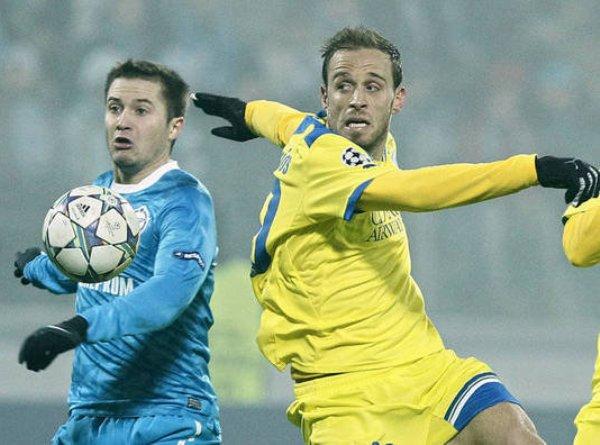 NO SE DUERME. El sorprendente APOEL continúa dando la hora al robarle un punto al siempre complicado Zenit. (Foto: AP)