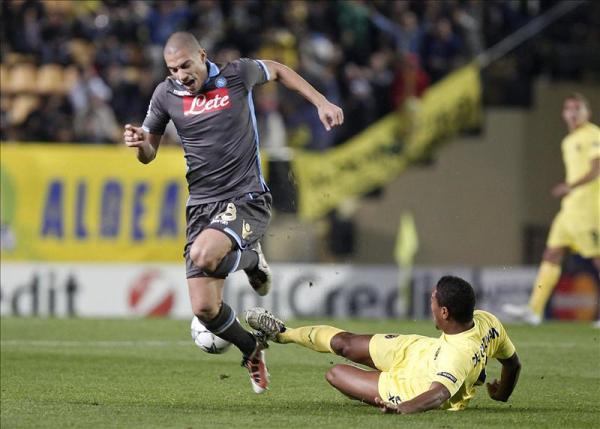 ANTE EL DOLOR DE LOS DEMÁS. El Nápoles se impuso 2-0 al Villarreal, dejando al conjunto español sin puntos en el certamen. (Foto: EFE)