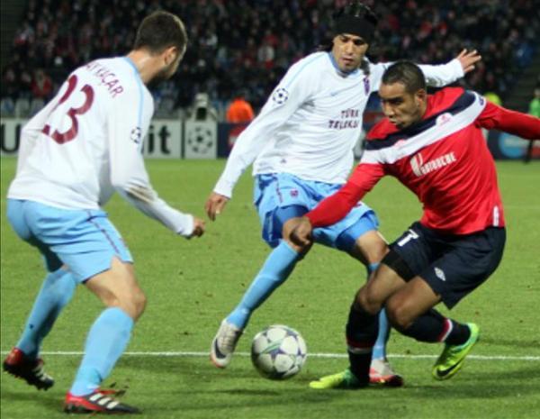 SE ANULARON. El Lille y el Trabzonspor firmaron un magro empate que los dejó fuera del certamen. (Foto: EFE)