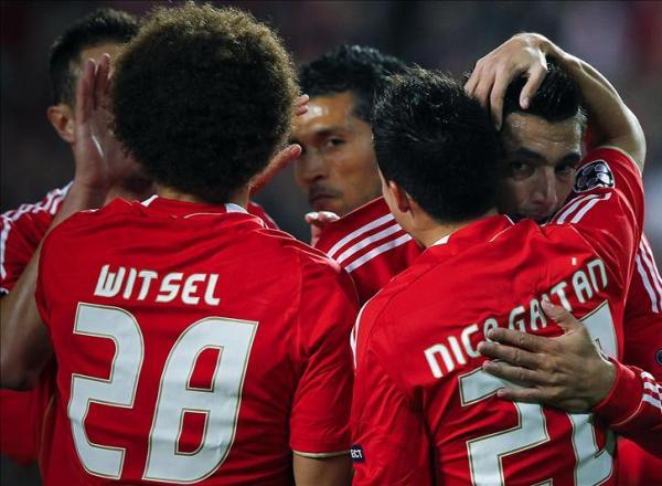 AVANZAN EN SILENCIO. El Benfica le ganó sin brillo al Otelul y pasó como primero de grupo. (Foto: EFE)