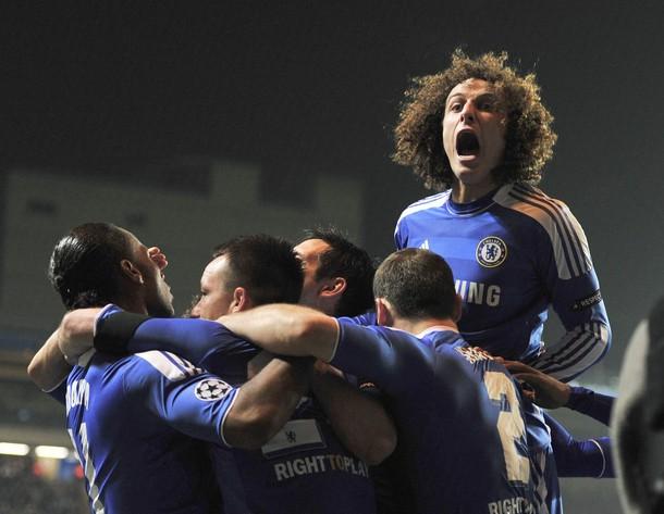 Tras sufrir ante Napoli, Chelsea tendrá un duro escollo en el Benfica, aunque parte como favorito para meterse dentro de los cuatro mejores de la Champions (Foto: Reuters)