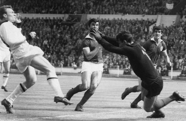 José Altafini, autor de los dos goles que le dieron al Milan su primera Copa de Europa. (Foto: AFP)