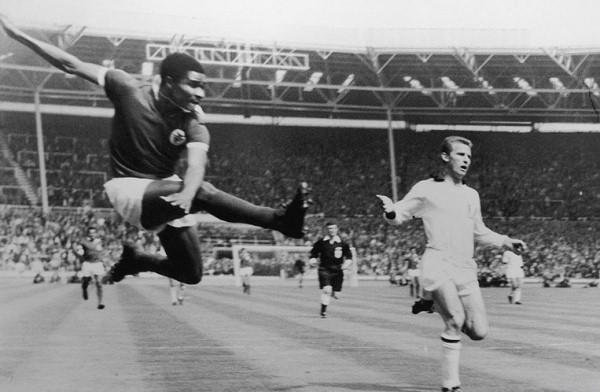 Eusébio fue bicampeón de la Champions, pero no pudo superar al Milan de Gianni Rivera. (Foto: AFP)