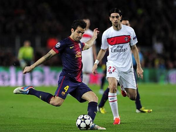 Ante la ausencia de Lionel Messi en el equipo titular, fue Cesc Fábregas quien asumió el rol de eje ofensivo en el Barcelona, aunque su poca producción derivó en su reemplazo por el '10' argentino (Foto: AFP)