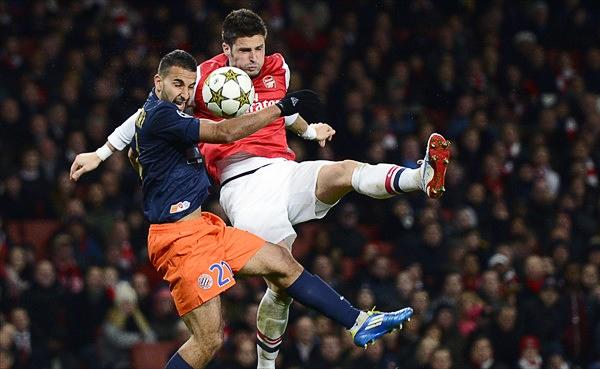 EL DUELO: Arsenal reafirmó contra el Montpellier que el recambio le ha asentado bien, aunque Oliver Giroud no la tuvo fácil para sacarse las marcas de encima (Foto: AFP)