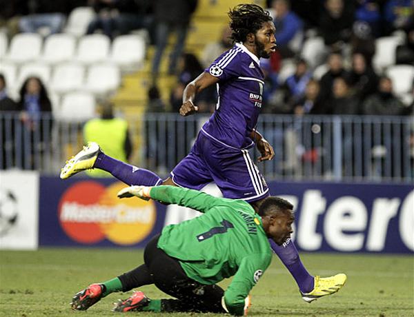 EL CAPO: Dieudonné Mbokani ahogó la que parecía ser unaa victoria segura para el Málaga (Foto: EFE)
