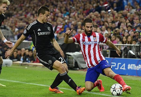 Chelsea aplicó bien su plan defensivo, maniatando el juego del equipo de Diego Simeone, que pese a tener más el balón, no pudo anotar en el Vicente Calderón (Foto: AFP)