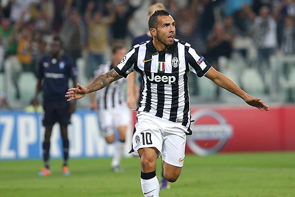 Motivado por su eventual llamado a la selección argentina, Carlos Tévez lo ve todo gol en la Juventus (Foto: AFP)