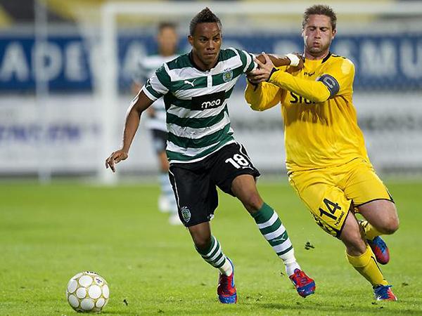 André Carrillo se ganó un puesto en el Sporting, jugando como extremo por derecha (Foto: EFE)