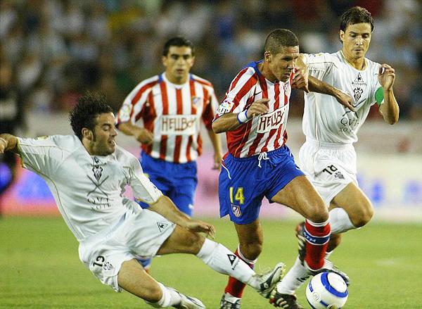 El 'Cholo' decide volver a Atlético en el año de su centenario, 2003.