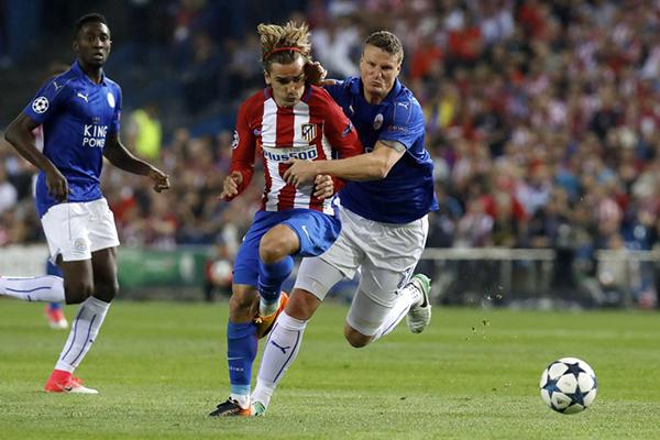 Antoine Griezmann marcó el gol del triunfo del Atlético. Sin embargo, el Leicester sabe que la llave no está cerrada. (Foto: AFP)