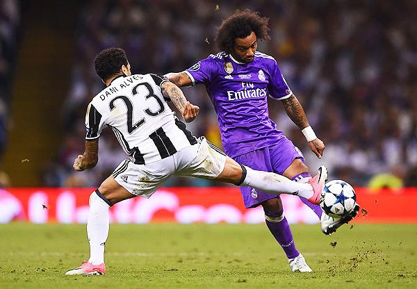 Marcelo comenzó a ganarle la espalda a Dani Alves. (Foto: AFP)