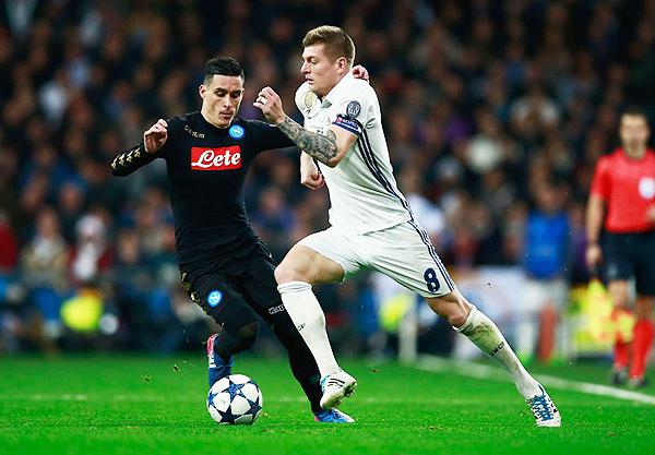 Toni Kroos fue uno de los más destacados -con gol incluido- en el triunfo del Real Madrid ante Napoli. (Foto: El País)