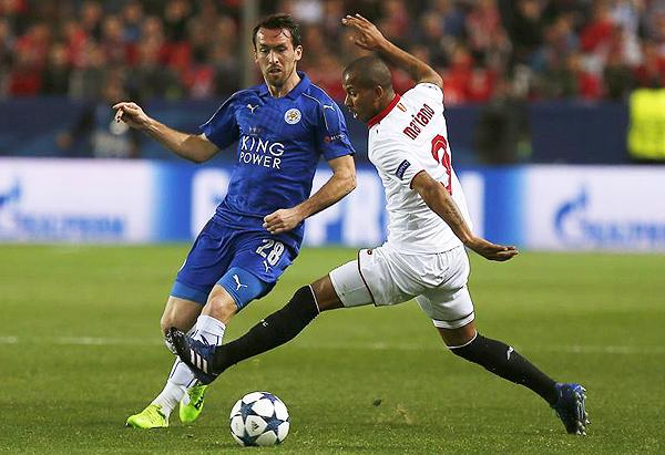 Sevilla superó a Leicester y parte con una mínima ventaja de cara al duelo de revancha. (Foto: EFE)
