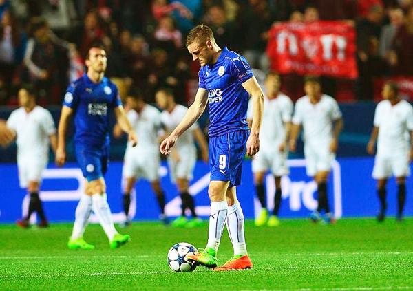 Jamie Vardy estuvo con la pólvora apagada en la temporada 2016/17 con Leicester (Foto: AFP)