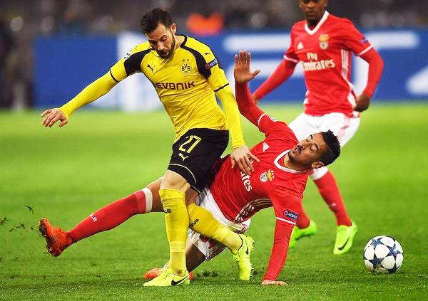 Dortmund encontró la salida al gol en la revancha ante Benfica y clasificó a cuartos. (Foto: EFE)