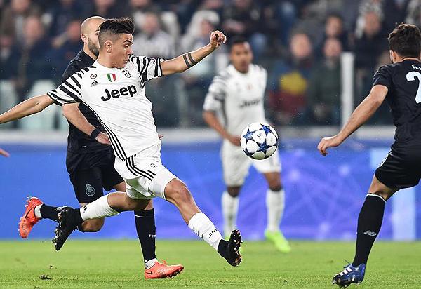 Paulo Dybala fue el artífice de la clasificación de la Juventus a cuartos de la Champions. (Foto: AP)