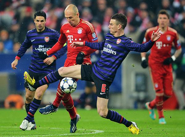Bayern Münich y Arsenal se enfrentaron en tres ocasiones en octavos de final de Champions League, y todas las ganó el equipo alemán. (Foto: AP)