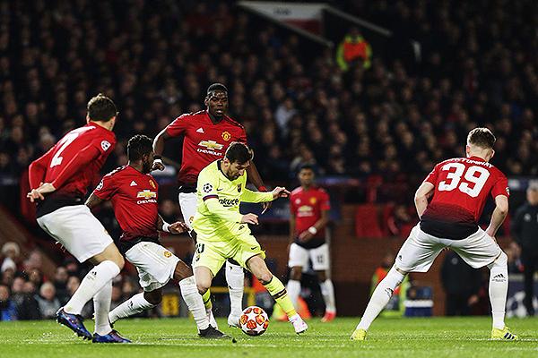 Messi dispara aunque la marca es muy dura. (Foto: UEFA)